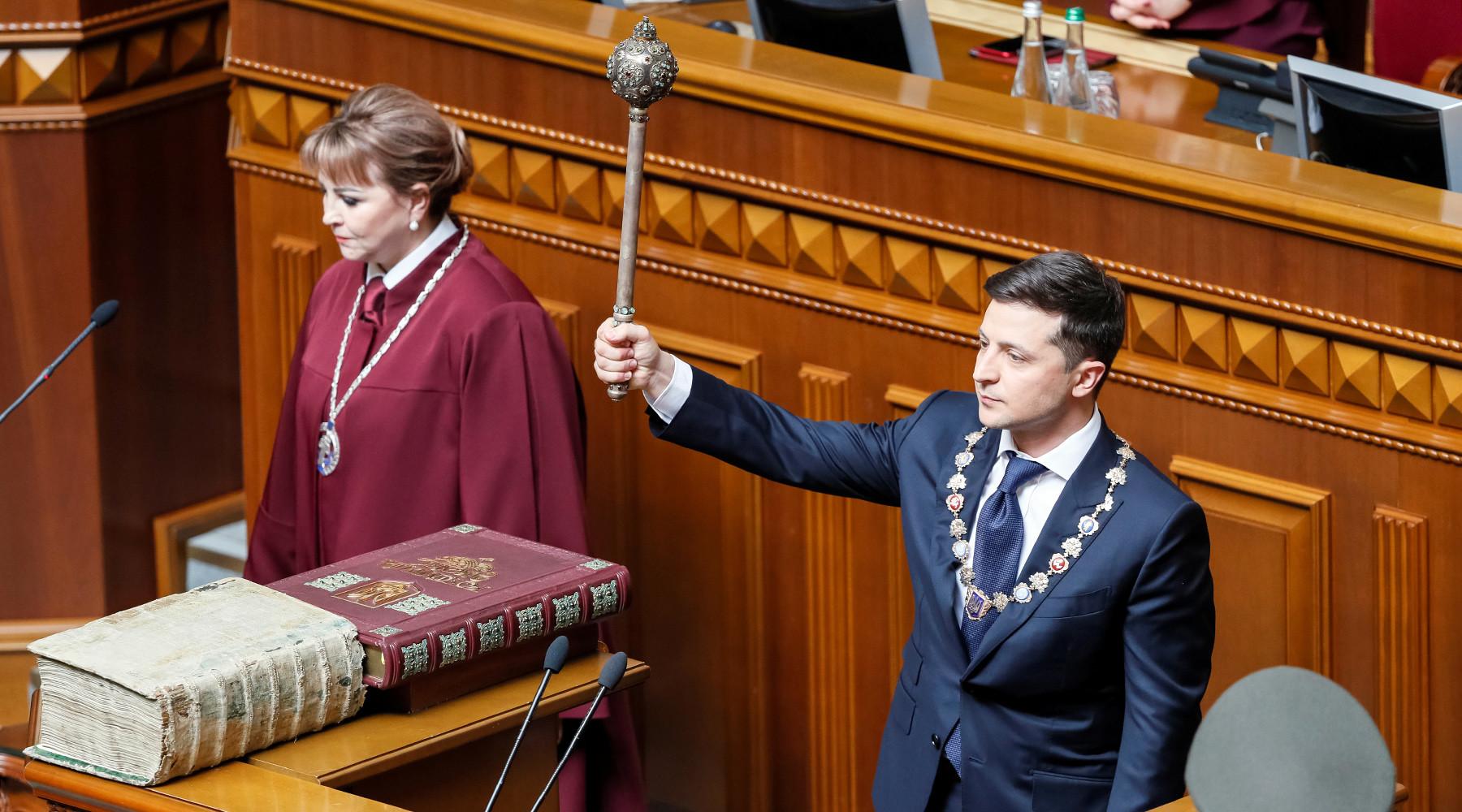 Zelenski scioglierà il parlamento