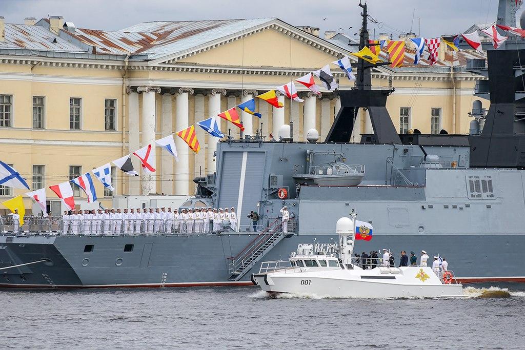🇷🇺 Parata navale a San Pietroburgo